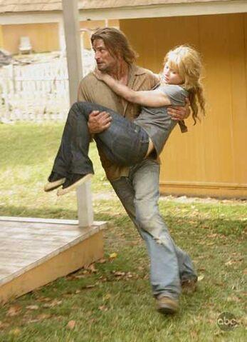 ملف:Sawyer-Carries-Claire.jpg
