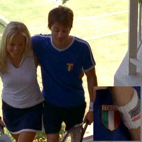 Archivo:1x13 BooneShirt.jpg