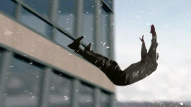 ملف:Locke falling.jpg