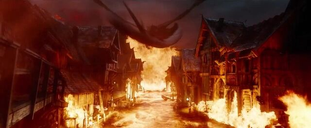 File:The Hobbit- The Battle Of The Five Armies Smaug 4.jpg