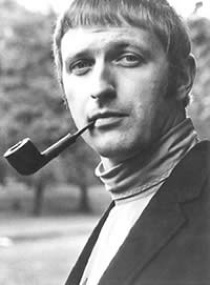File:Graham Chapman Portrait.png