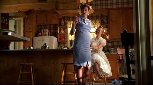 File:Ladies room betty francine.jpg