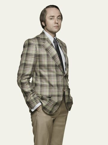 File:S7B Pete Campbell 01.jpg