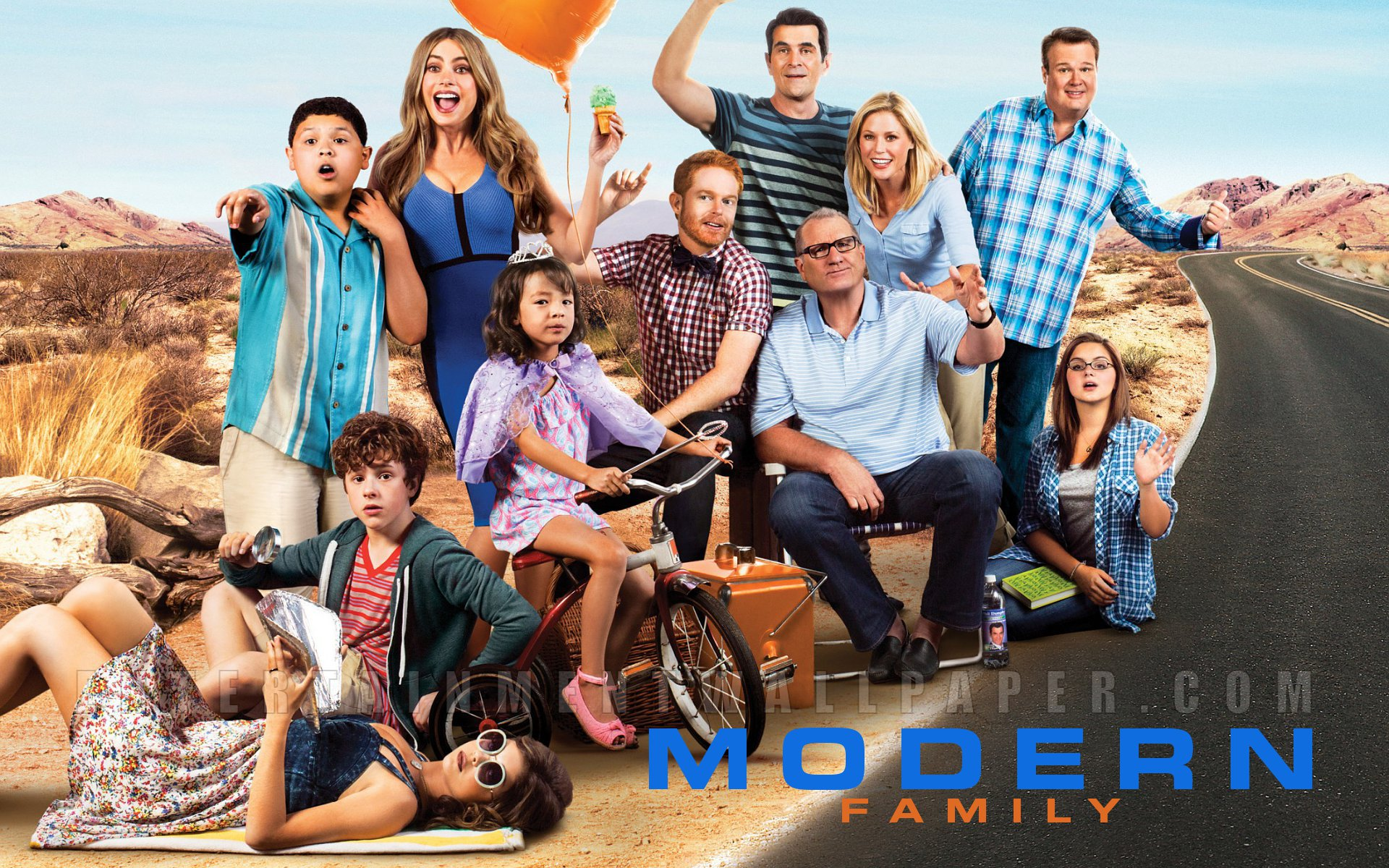 modern family wallpaper photo - photo #30