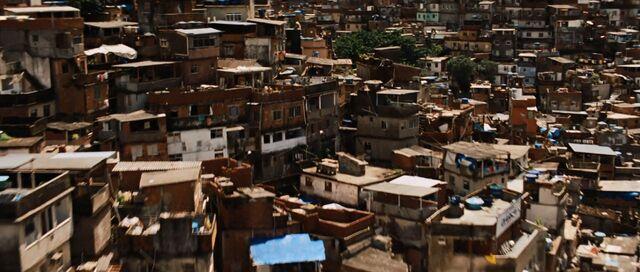 File:Rocinha.jpg