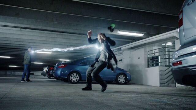 File:Lincoln-vs-Creel-LightningBolt.jpg