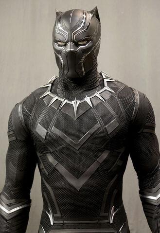File:Civil War - Black Panther BTS 3.jpg