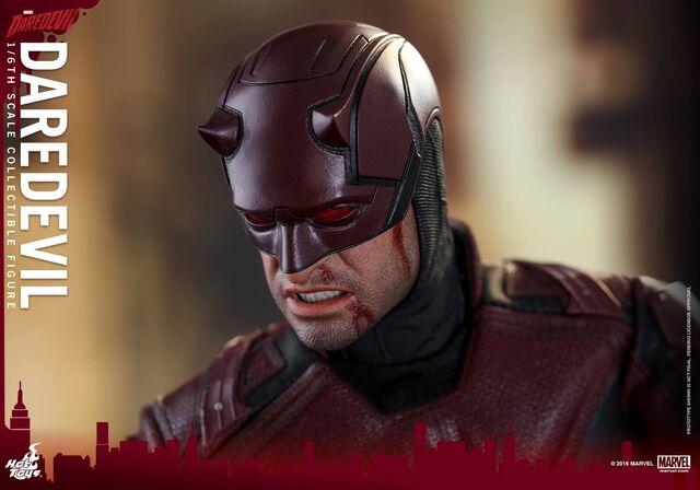 File:Daredevil Hot Toys 17.jpg