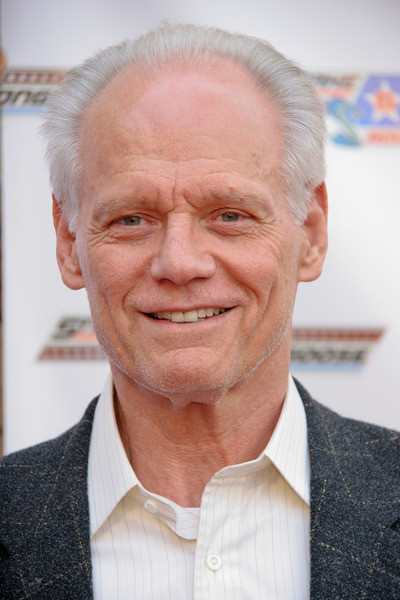 fred dryer age