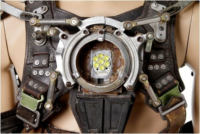File:Whiplash-Mark-1-Armor-4.jpg