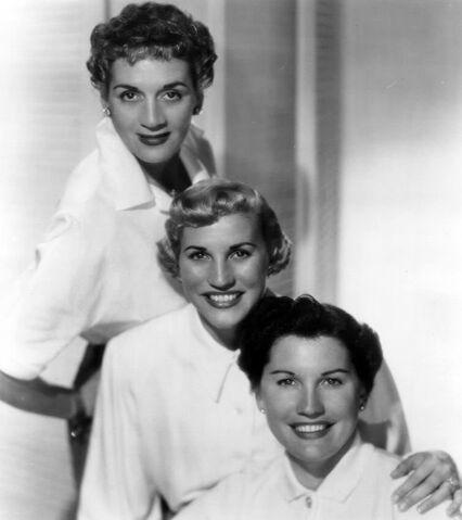 File:The Andrews Sisters.jpg