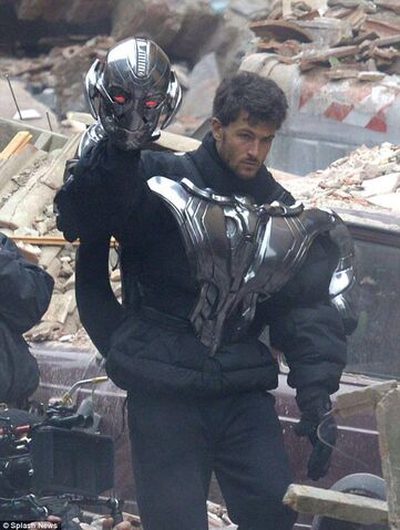 File:Ultron Set 12.jpg