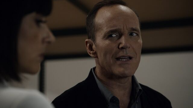 File:Coulson-Talks-To-Price-About-Inhumans.jpg