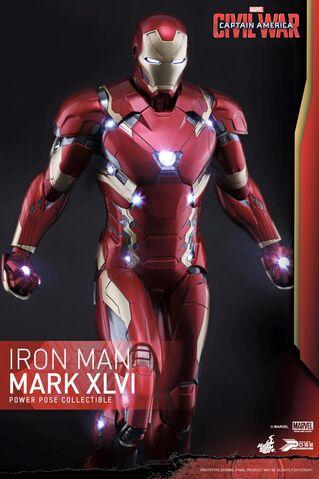 File:Iron Man Civil War Hot Toys 2.jpg