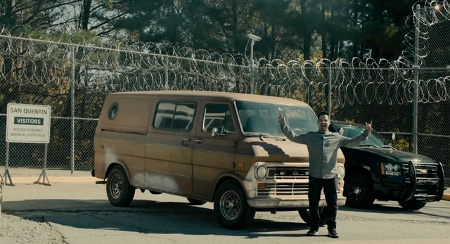 File:Luis and the Van 2.png