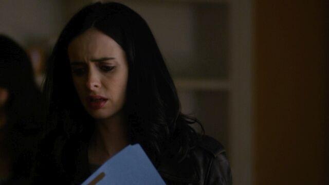 File:JessicaJones 1x06 AKAYoureAWinner 439.jpg