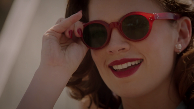 File:Agent Carter spots Jarvis - Agent Carter 2x01.png