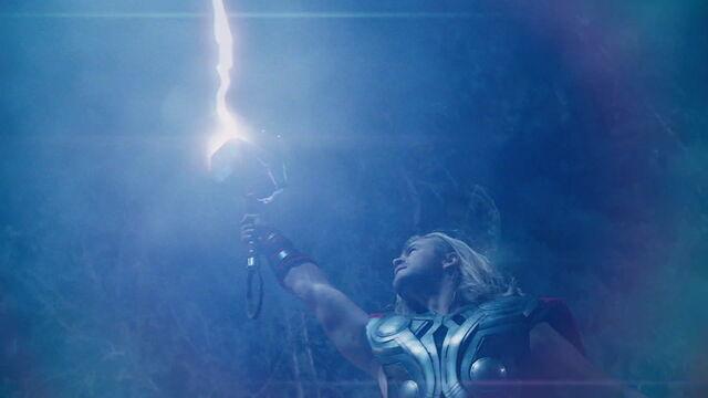 File:Thor Mjollnir.jpg