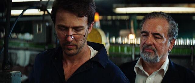 File:Bruce-Banner-Mexico-Glasses.jpg