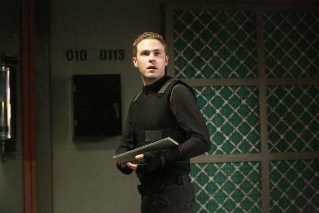 File:Agents-of-shield-season-2-finale-sos-fitz.jpg