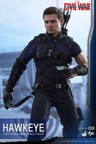 File:Hawkeye Civil War Hot Toys 12.jpg