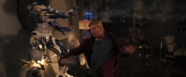File:Thor-vs-Robot.jpg