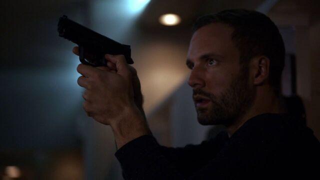 File:Lance-Hunter-Gun-Ward.jpg