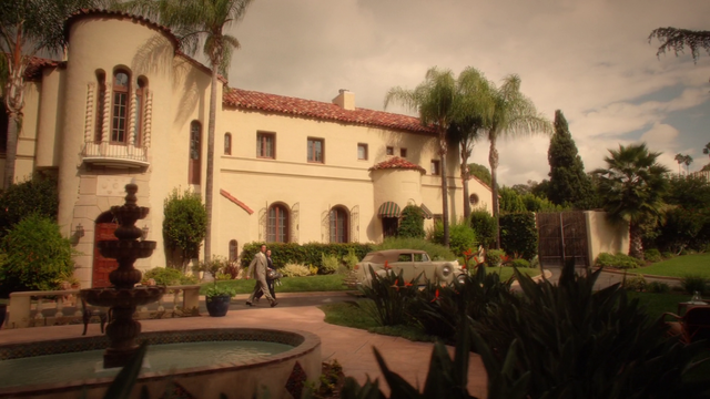 File:Jarvis & Peggy - Howard Stark's Estate (2x07).png