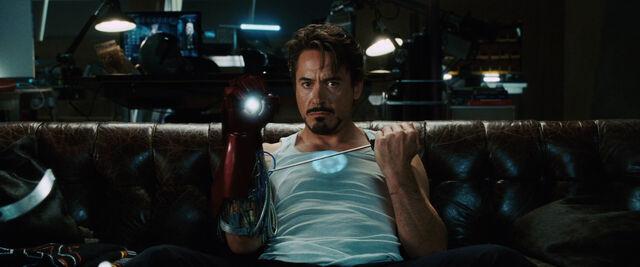 File:Iron-man-movie-tony-stark-on-couch-photo (1).jpg
