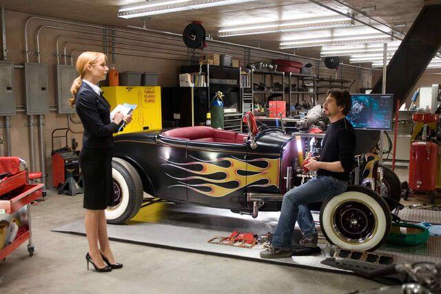 File:Pepper-Potts-Tony-Stark-Car.jpg
