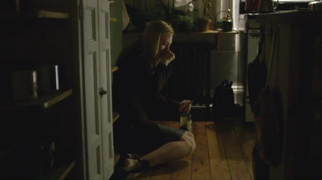 File:DD112 - Karen in her kitchen.png