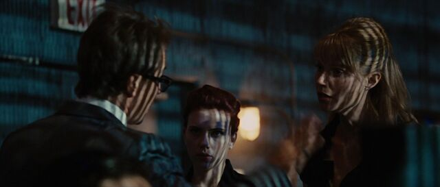 File:Pepper-Potts-Confronts-Justin-Hammer.jpg