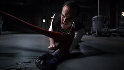 Coulson-loses-arm-scream