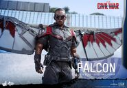 Falcon Civil War Hot Toys 12