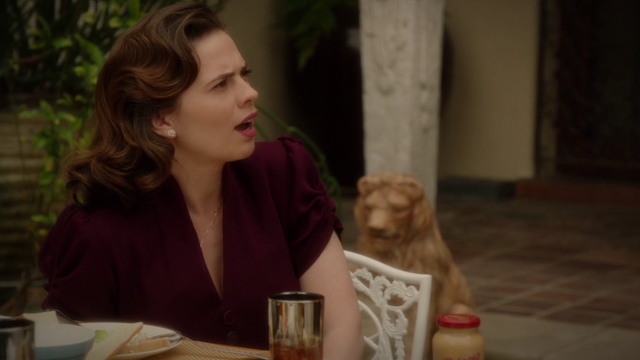 File:Peggy Carter - Surprised (2x10).png