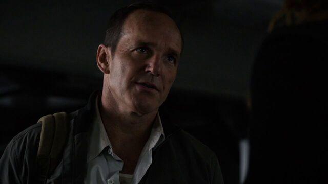 File:Phil-Coulson-speaks-to-Bobbi-Morse-S2E10.jpg