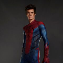 Spider-Man front view, without mask, attacked.