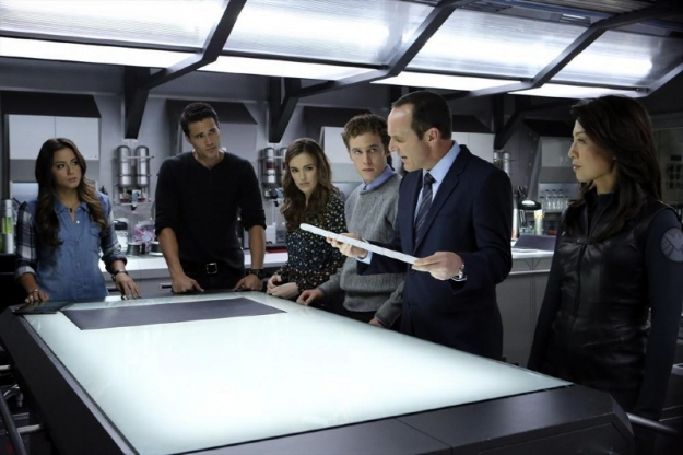 File:Agents of SHIELD The Well 26.jpg