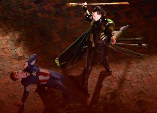 File:Loki-Avengers-Set-loki-thor-2011-24885949-500-361.jpg
