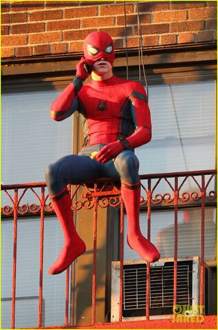 File:Tom-holland-performs-his-own-spider-man-stunts-on-nyc-fire-escape-14.jpg