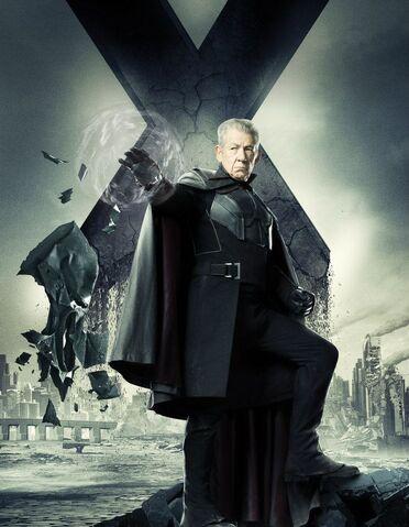 File:Future Magneto 01.jpg