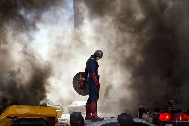 File:Captain America The Avengers-02.jpg