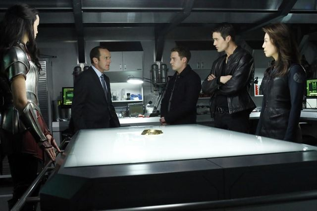 File:Agents of SHIELD Yes Men 07.jpg