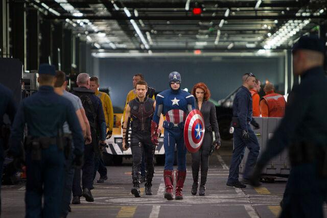 File:Team2 avengers.jpg