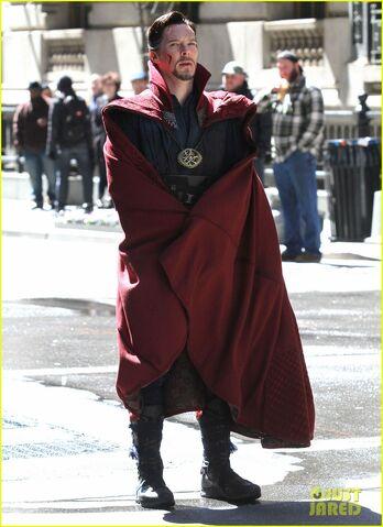 File:Doctor Strange Filming 82.jpg