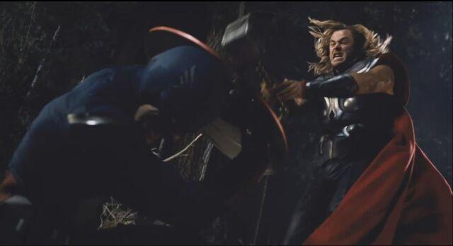 File:Thor attacks Cap 01.jpg