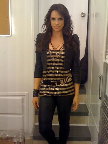 File:Danielle Burgio on-set of The Amazing Spider-Man.jpg