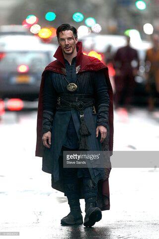 File:Doctor Strange Filming 39.jpg