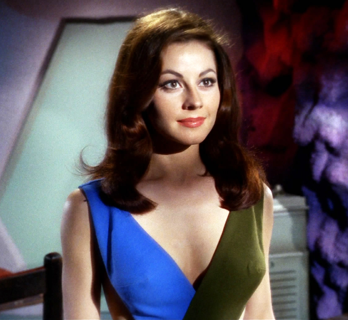 75-years-old single American actress Sherry Jackson
