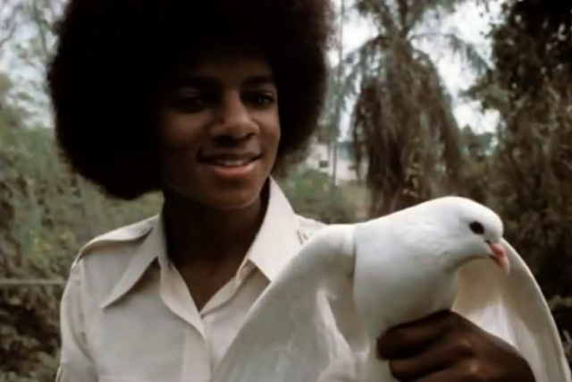 File:Michael Jackson with Dove 2.png